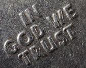 Macro in god die we trust — Stockfoto