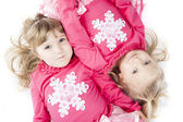 Sisters in Matching Winter Outfits — Stockfoto