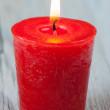 candela accesa rossa — Foto Stock