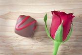 Rose and Chocolate — Stock Photo