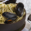 Linguine with mussels — Stock Photo #17651449