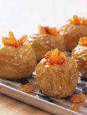 Golden baked apples — Stock Photo