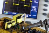 Test pulse power and voltage waveform on the oscilloscope — Stock Photo