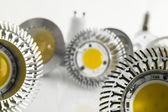 Led žárovky teplé bílé s různými velký čip — Stock fotografie