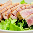 Tuna salad with fresh tuna fillets — Stock Photo