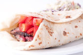 Beef steak wrap with cheese and tomato — Stock fotografie