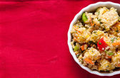 Gluten free vegetarian salad made with quinoa  and fresh heirloo — Stock Photo