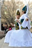 Kazakh dancers in national clothes — Stock Photo