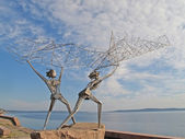 "Petrozavodsk. Sculptural composition ""Fishermen"" on Onezhskaya E — Stockfoto"