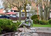 在奈达,立陶宛的裸体女人的雕像 — 图库照片