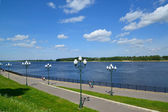 Volzhskaya Embankment in Rybinsk, the top view — Stock Photo
