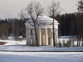 Pavlovsk. The Friendship temple in winter park — Stock Photo