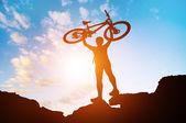 Man med cykel — Stockfoto