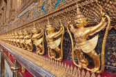 Golden garuda decoration in row in temple of emerald Buddha — Stock Photo