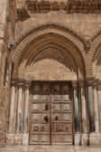 Close up of main entrance to the Church of the Holy Sepulchre — Stock Photo