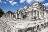 Temple ruins in Chichen Itza. Mexico. — Stock Photo