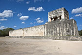 Temple ruins in Chichen Itza. Mexico. — Stock Photo