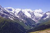 在俄罗斯的高加索山脉 — 图库照片