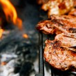 Food meat - chicken and beef on party summer barbecue grill — 图库照片