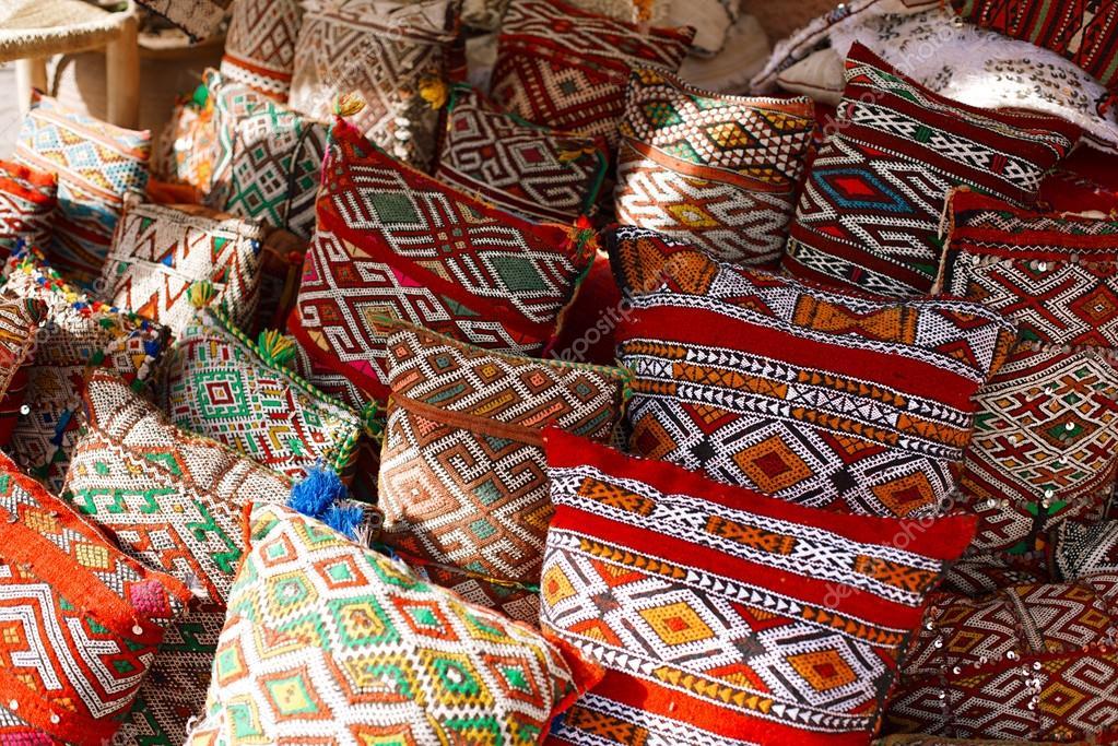 Cojines marroqu es foto de stock lvenks 41067635 - Telas marroquies ...