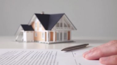 Mortgage contract sign — Stock Video