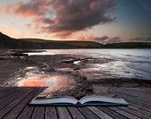Deniz manzarası, kitabın sayfalarında görüntüsünü yaratıcı kavramı — Stok fotoğraf