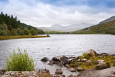 View of Snowdon from Llyn Mymbyr in Snowdonia National Park — Stock Photo