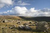 Uitzicht vanaf n. erratics in yorkshire dales national park naar beneden — Stockfoto