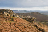 View along Curbar Edge towards Froggatt's Edge in background, in — Stock Photo