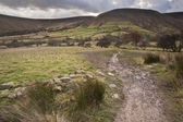 Footpath from Kinder Scout to Kinder Low in Peak District Nation — Stock Photo