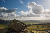 Norber Erratics landscape in Yorkshire Dales National Park — Stock Photo