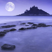 St Michael's Mount Bay Marazion pre-dawn long exposure with moon — Zdjęcie stockowe