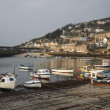 A traditional Cornish fishing village and harbor Cornwall England — Stock Photo
