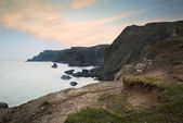 Spring sunset at high tide at Kynance Cove — Stock Photo