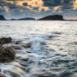 Sunrise over rocky coastline on Meditarranean Sea landscape in S — Stock Photo