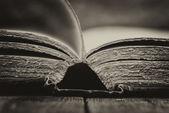 Réglage rétro et effet de livres vintage antiques — Photo