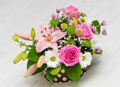 Flowers in a gift box — 图库照片