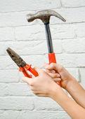 Hammer pliers — 图库照片