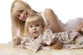 Portrait de l'heureuse mère et fille — Photo