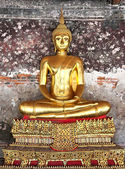 A golden Buddha statue in Wat Suthat Thepphawararam. Bangkok. Th — Stock Photo