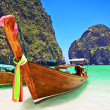 Traditional wooden boat at Phi Phi island, Thailand, Asia. — ストック写真