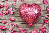 Bougie en forme de coeur rouge — Photo