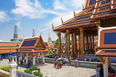 Wat Phra Kaew, Temple of the Emerald Buddha. The Grand Palace Ba — Foto de Stock