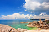 Famous Grandfather rock on Lamai Beach. Koh Samui, Thailand — Stock Photo