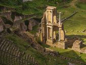 Roman amphitheater ruin in Voltera, Italy — Foto de Stock