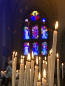 在教会里的蜡烛 — 图库照片