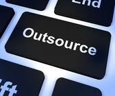 Externalizar clave mostrando subcontratación y freelance — Foto de Stock