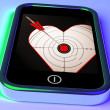 Target Heart On Smartphone Showing Love Shot — Stock Photo