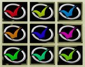Häkchen auf monitoren zeigt beantwortete fragen — Stockfoto