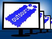 Tercerizar en monitores muestra subcontratos — Foto de Stock